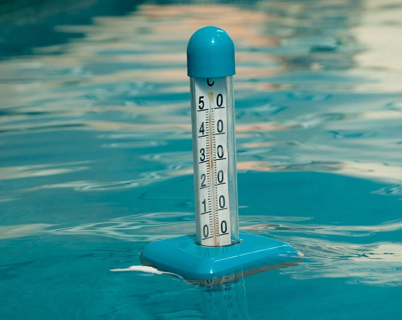 Die unterschiedlichsten Thermometer sind für die Messung der Wassertemperatur geeignet.